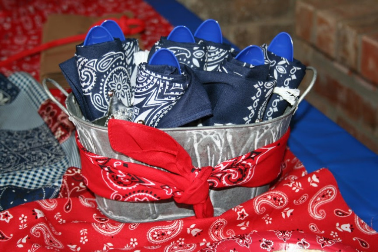 table settings for cowboy party