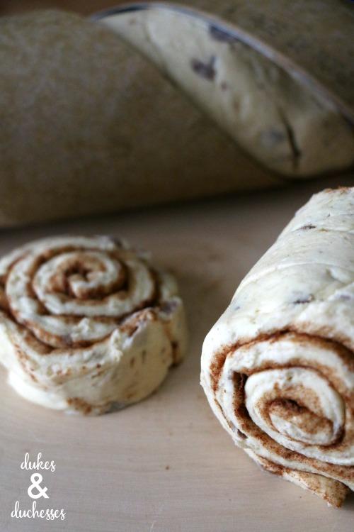 cinnamon rolls for christmas tree breakfast
