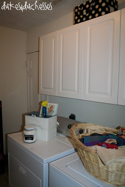 A green apple laundry room