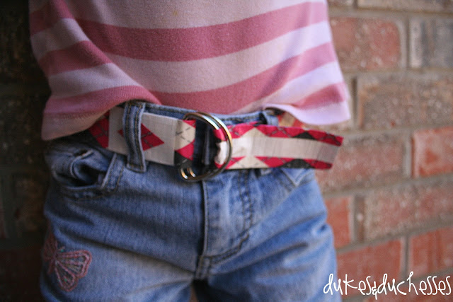 A duct tape belt {for girls}