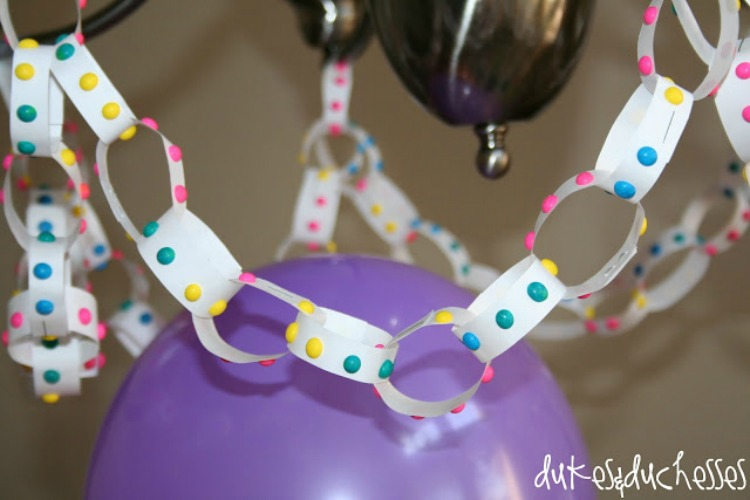 button candy streamers for polka dot party