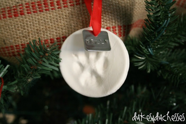 homemade pawprint christmas ornament