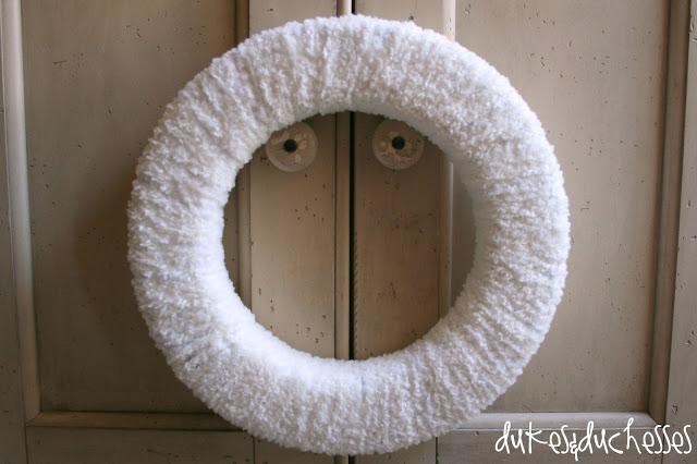 winter wreath Lion Brand yarn