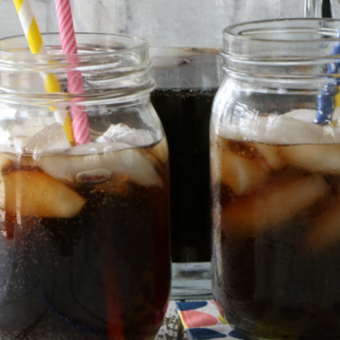How to Make Homemade Root Beer