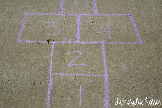 how to make sidewalk chalk, hopscotch
