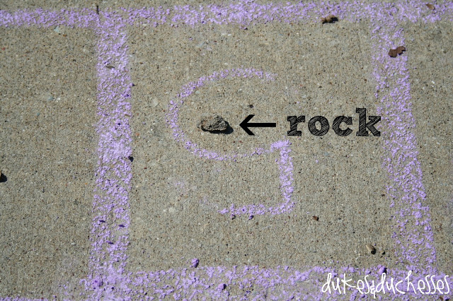 how to play hopscotch, homemade sidewalk chalk