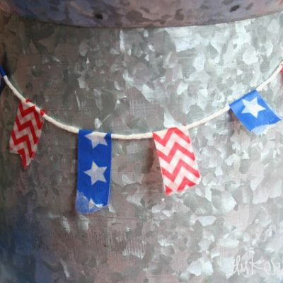 Fourth of July Beverage Bar with DIY Beverage Tags