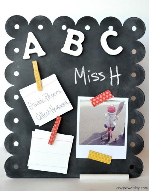 10 back to school ideas :: magnetic chalkboard memo