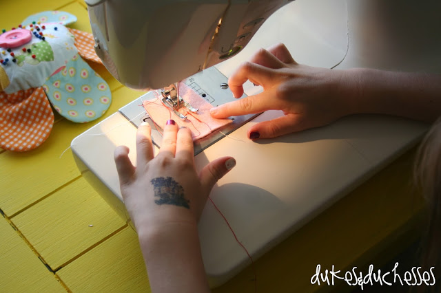 teaching a child to sew :: encourage self expression