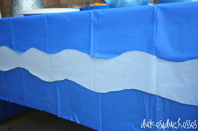 tablecloth with waves for a shark party