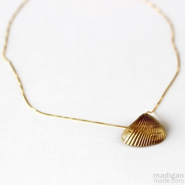 shell crafts :: gold shell necklace