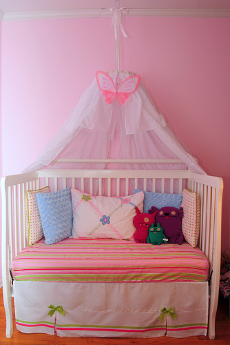 crib reading nook