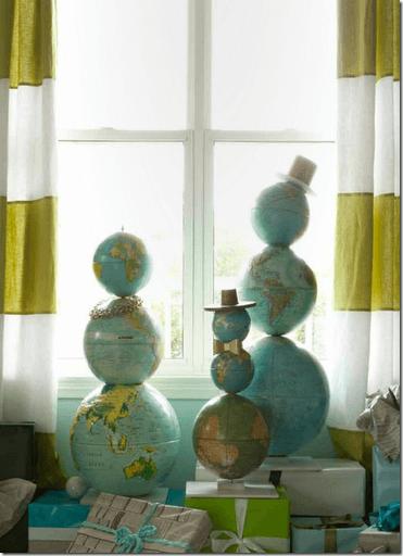 globe snowmen