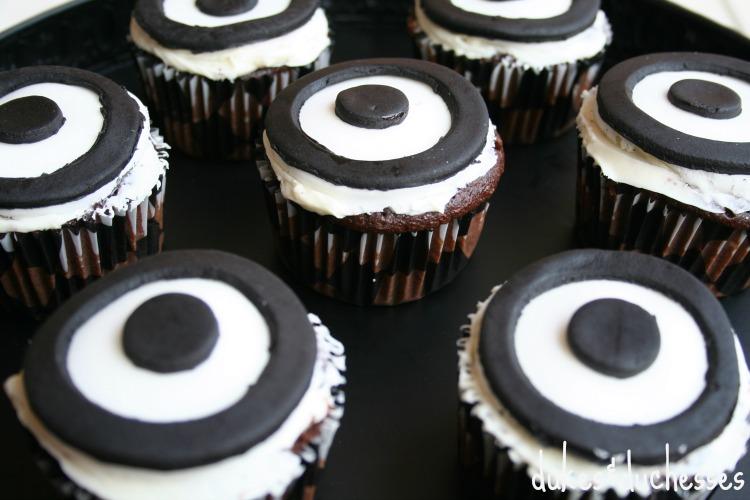 shooting range target cupcakes