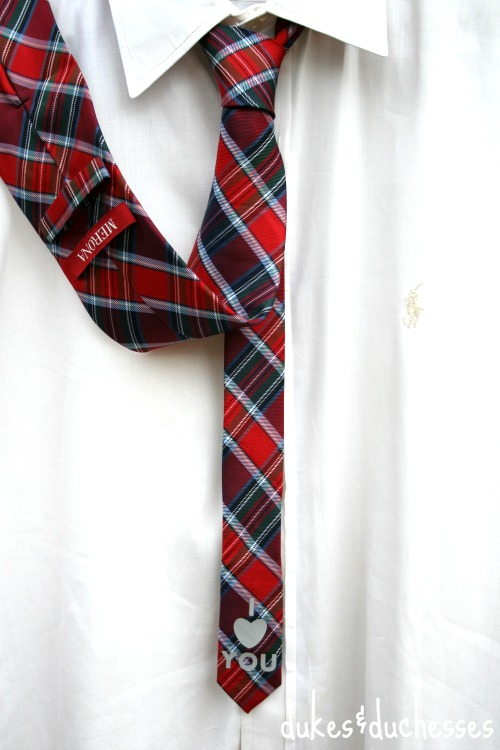 tie with a message