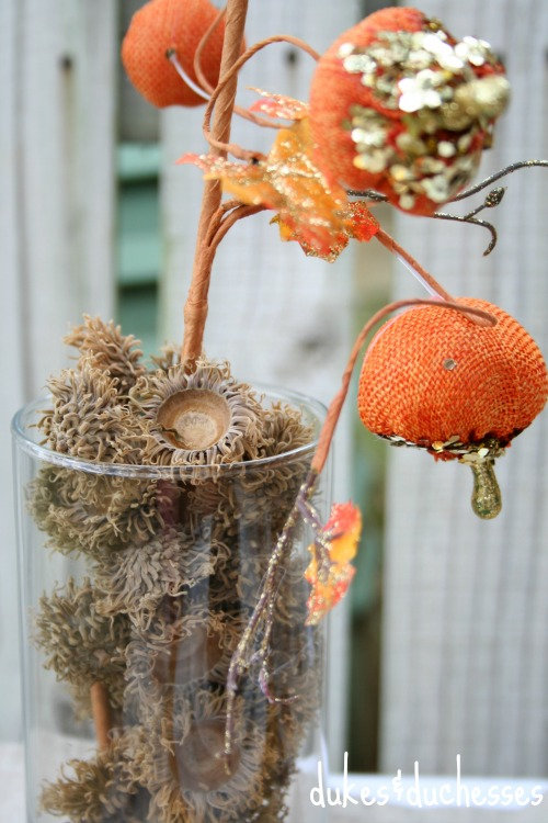 centerpiece in acorns