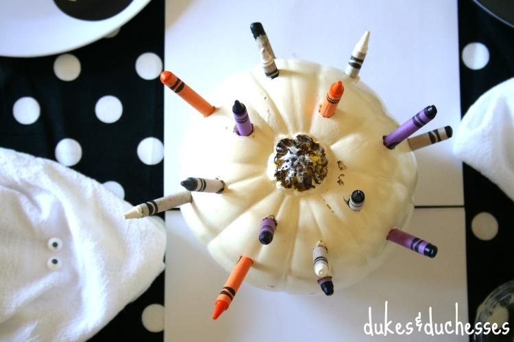 crayon pumpkin DIY