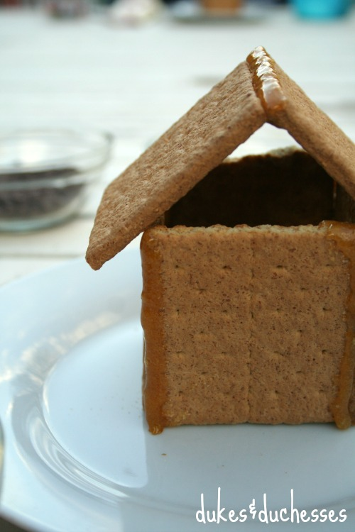 holiday houses with honey maid graham crackers