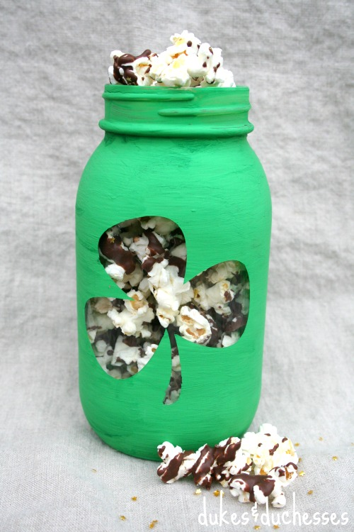 mint chocolate pot of gold popcorn in mason jar