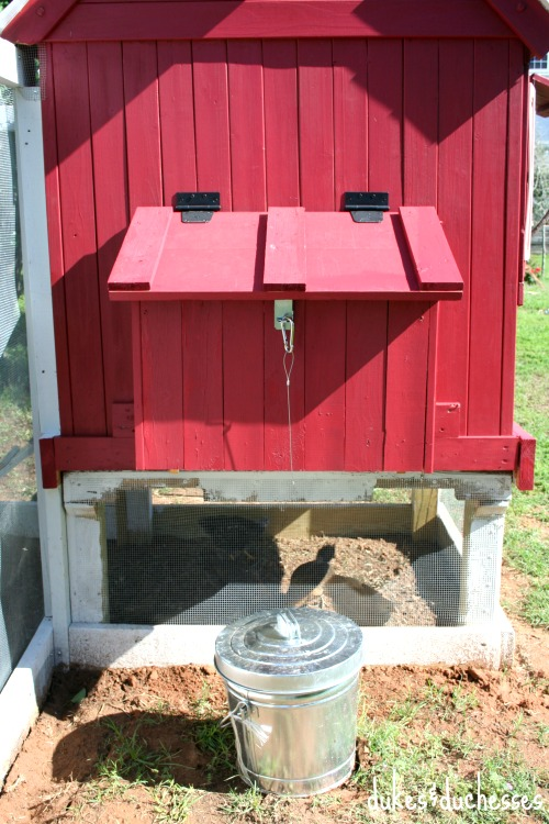 nesting box for chickens
