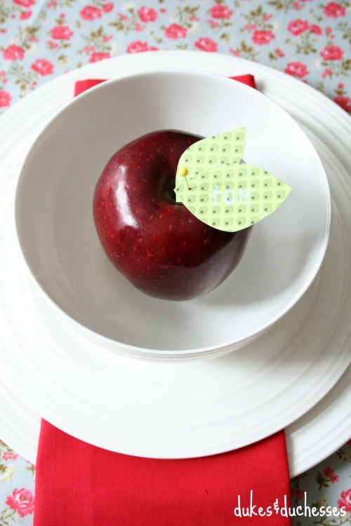 apple placecards for southern tablescape
