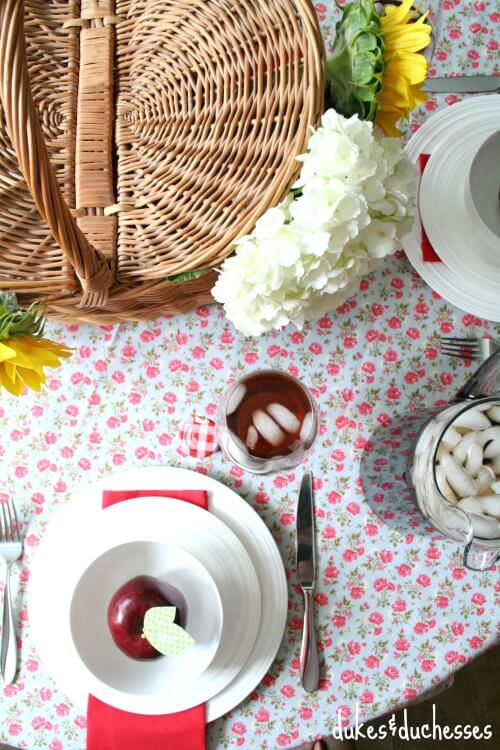 southern floral tablescape