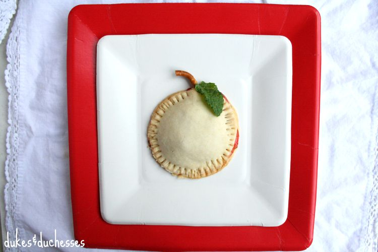 apple shaped hand pies