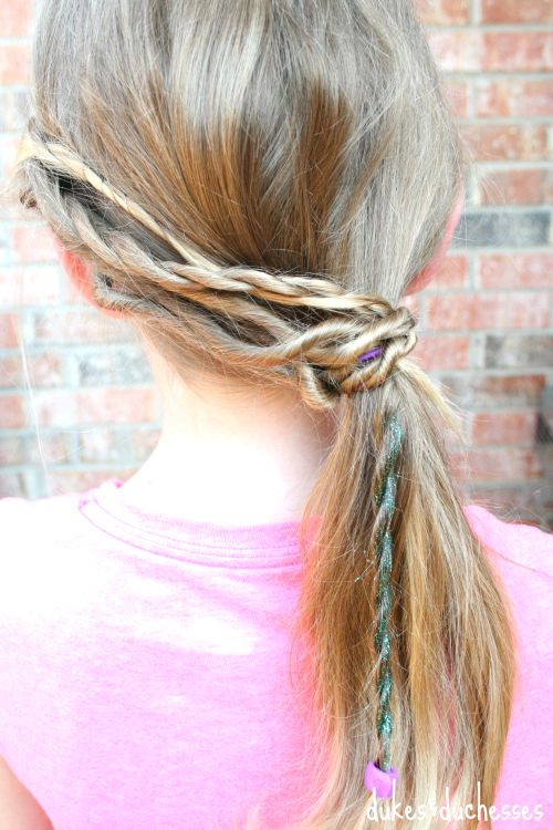 bohemian pony tail hairstyle with DIY glitter hair spray