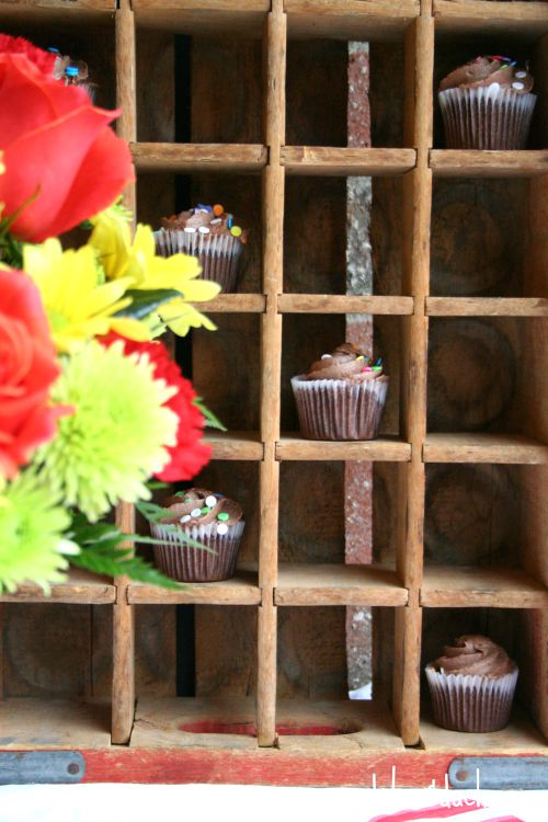cupcakes in coke crate