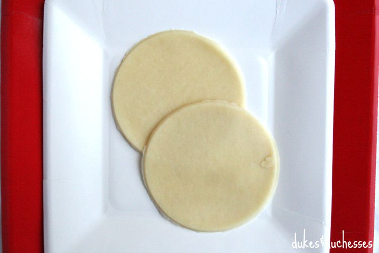 pie crust rounds for apple shaped pies