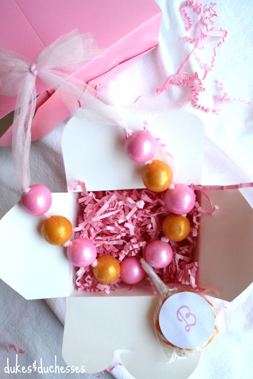 gumball necklaces with edible pendant in gift box