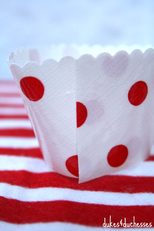 seam of oilcloth cupcake wrapper