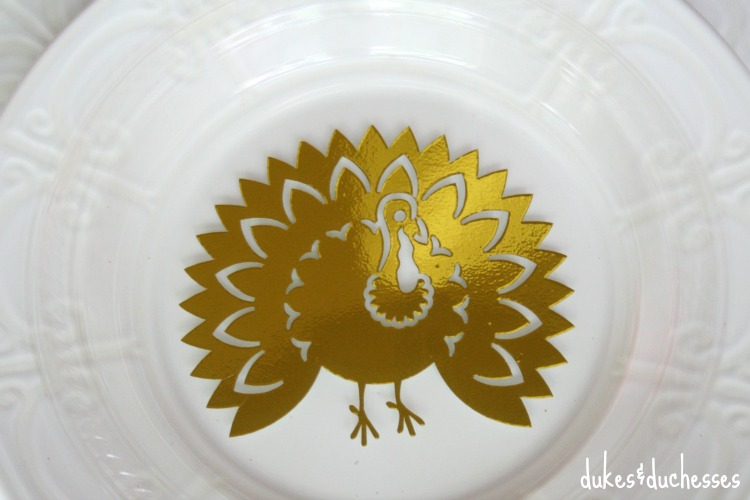 gold turkey on clear plate