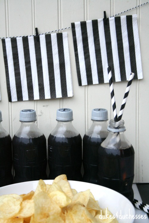 napkin garland for tailgating party