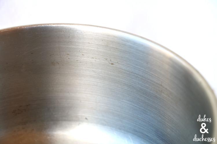 clean pots with magic eraser