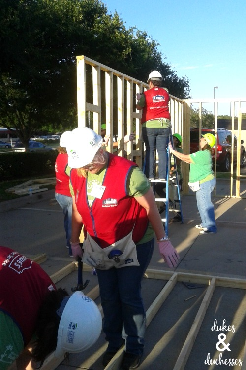 women build with lowes and habitat for humanity