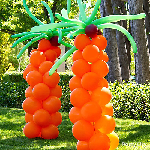 balloon palm trees for a pool party