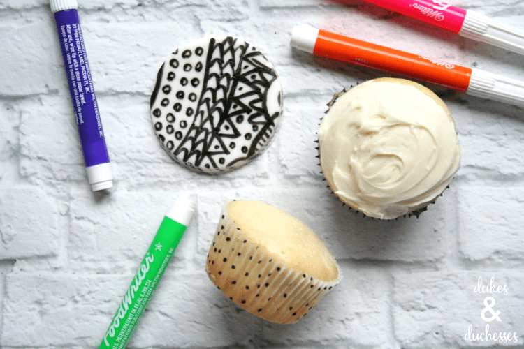 coloring book cupcakes