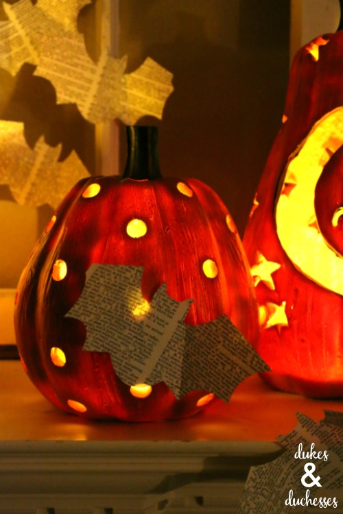 how to decorate a mantel for halloween