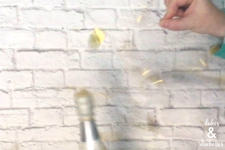 popping confetti balloon champagne poppers