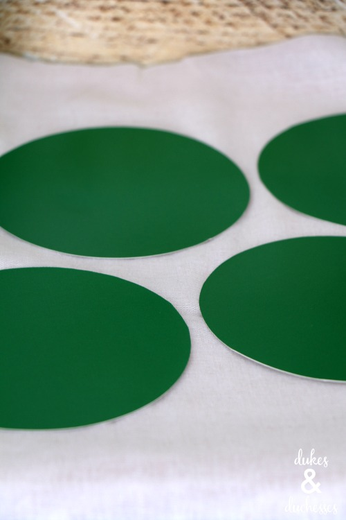 paper plate circles for leprechaun hat treat cups