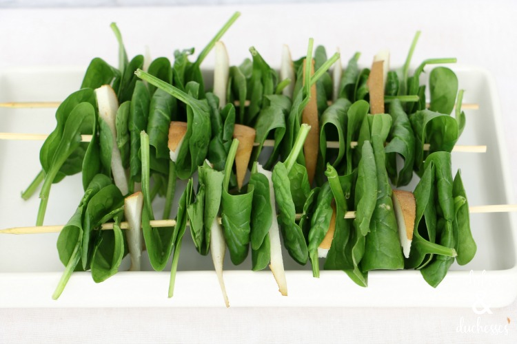 spinach and pear salad sticks