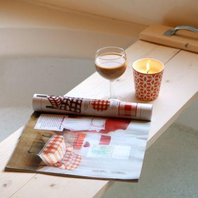 DIY Bathtub Tray