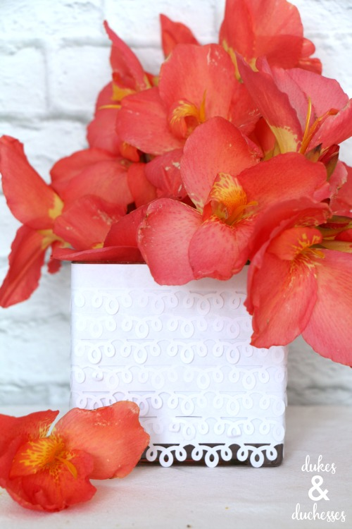 punched vase paper craft