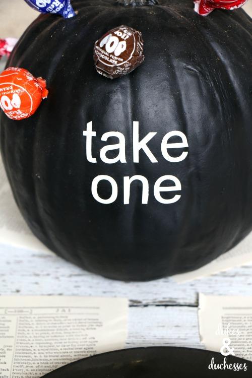 candy pumpkin centerpiece