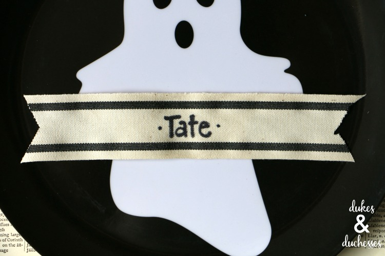 ribbon placecards for halloween party