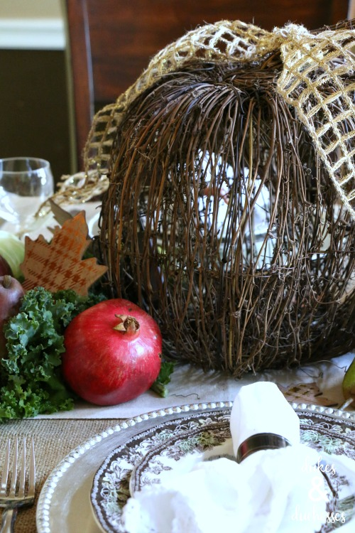 natural centerpiece for thanksgiving