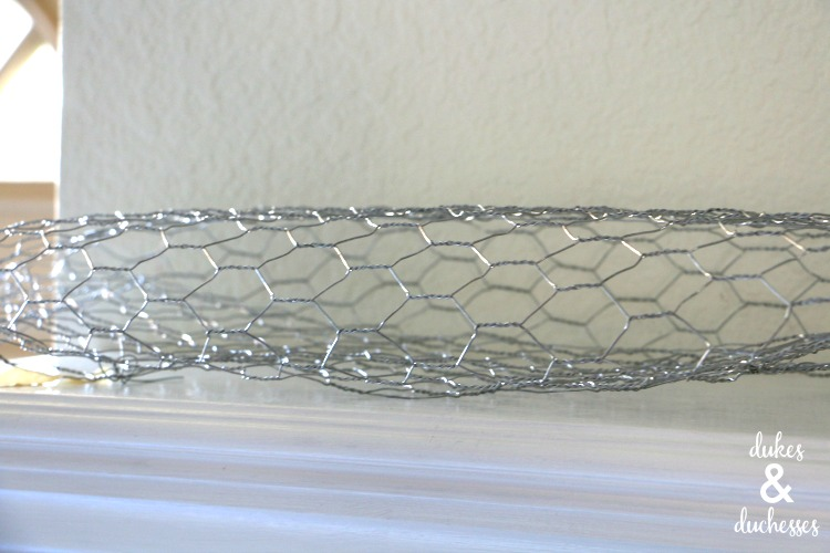 chicken wire to make balloon mantel