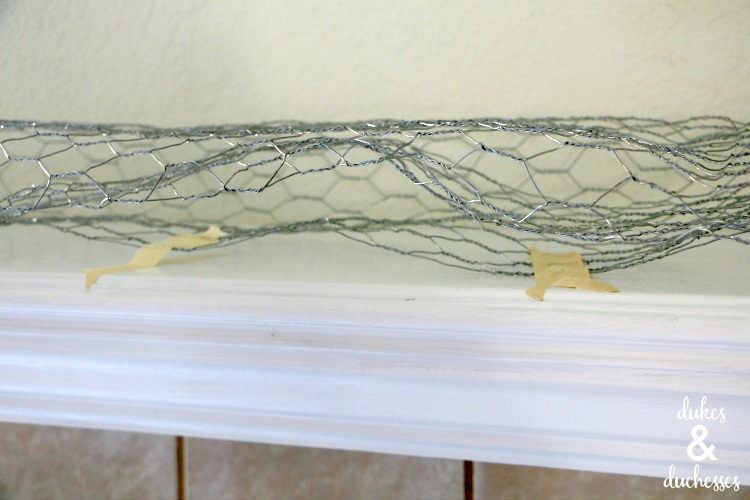 wire base for balloon mantel