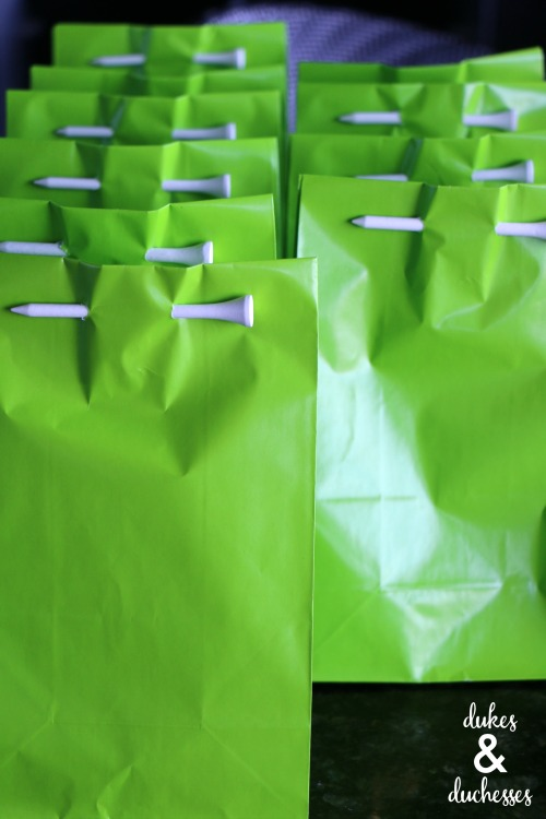 golf party goodie bags with golf tees